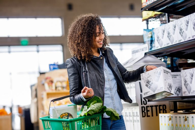 8 must-try tips to grocery shop on a budget