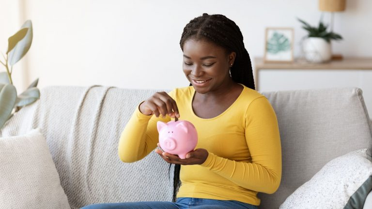 Millennial Saving: 5 money lessons you should know in your 20s