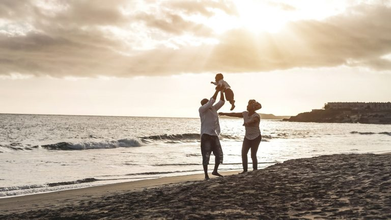7 money-saving tips for your summer vacation
