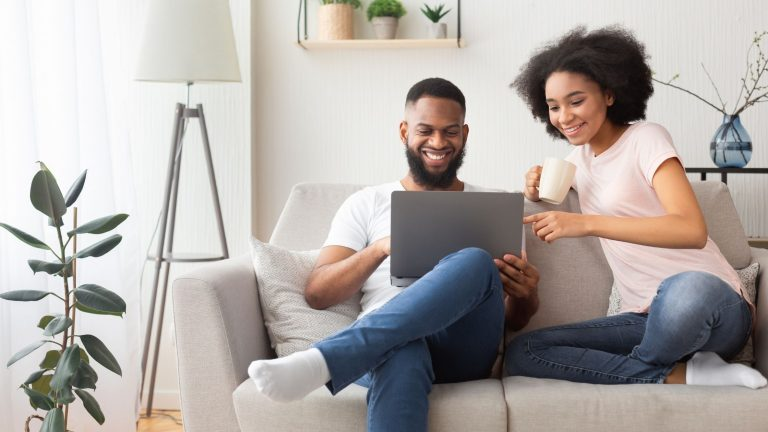 How to protect your relationship from money problems