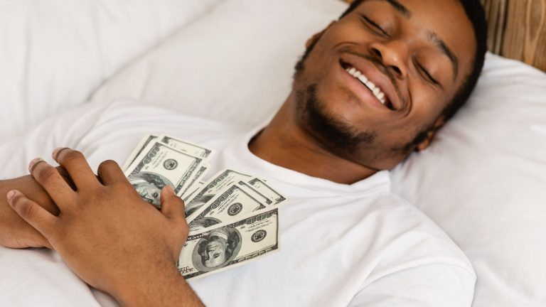 7 quick ways to manage your money and improve your financial health