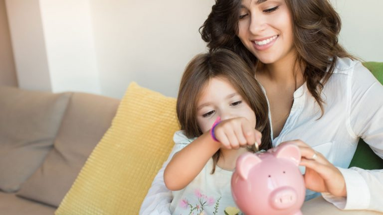 How to make a savings plan and stick to it in 5 easy steps