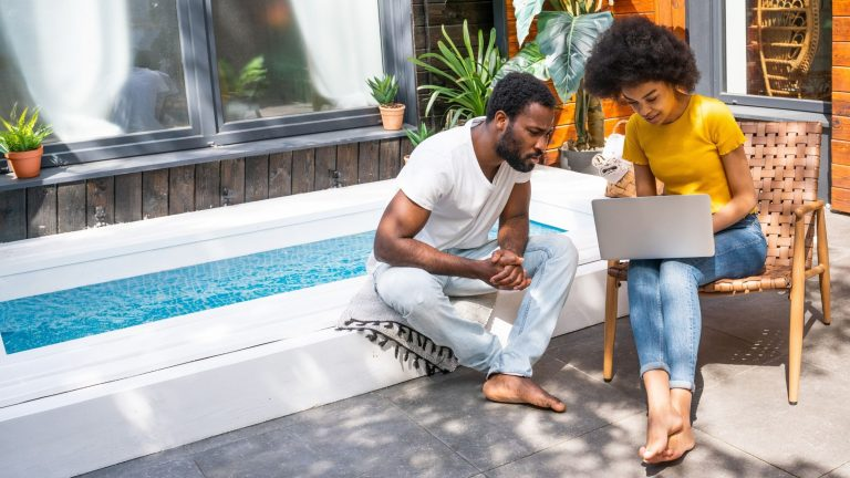Personal Finance 101: 7 financial health tips you can learn online